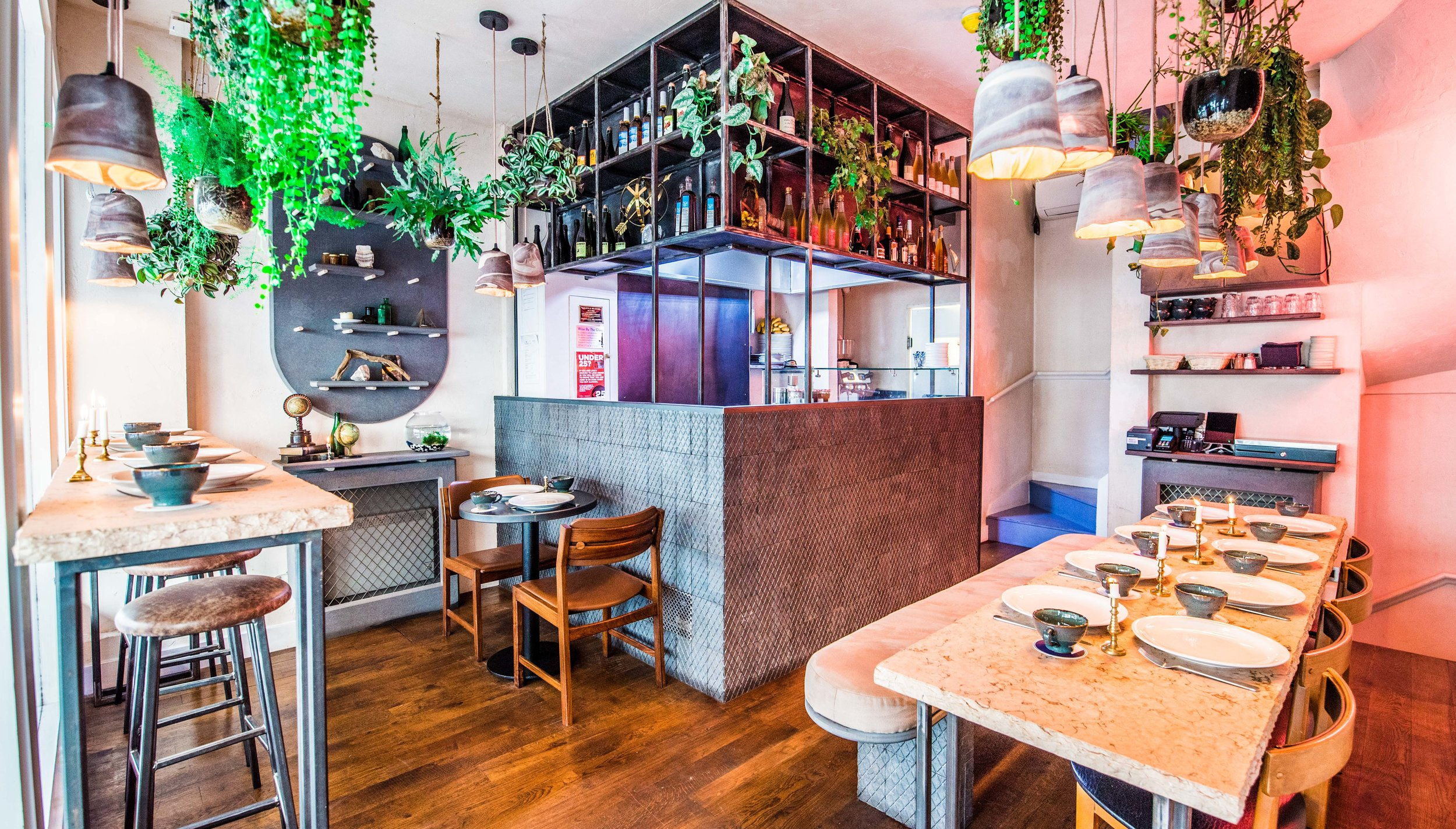 interior Shots mamies cuisine ouverte restaurant