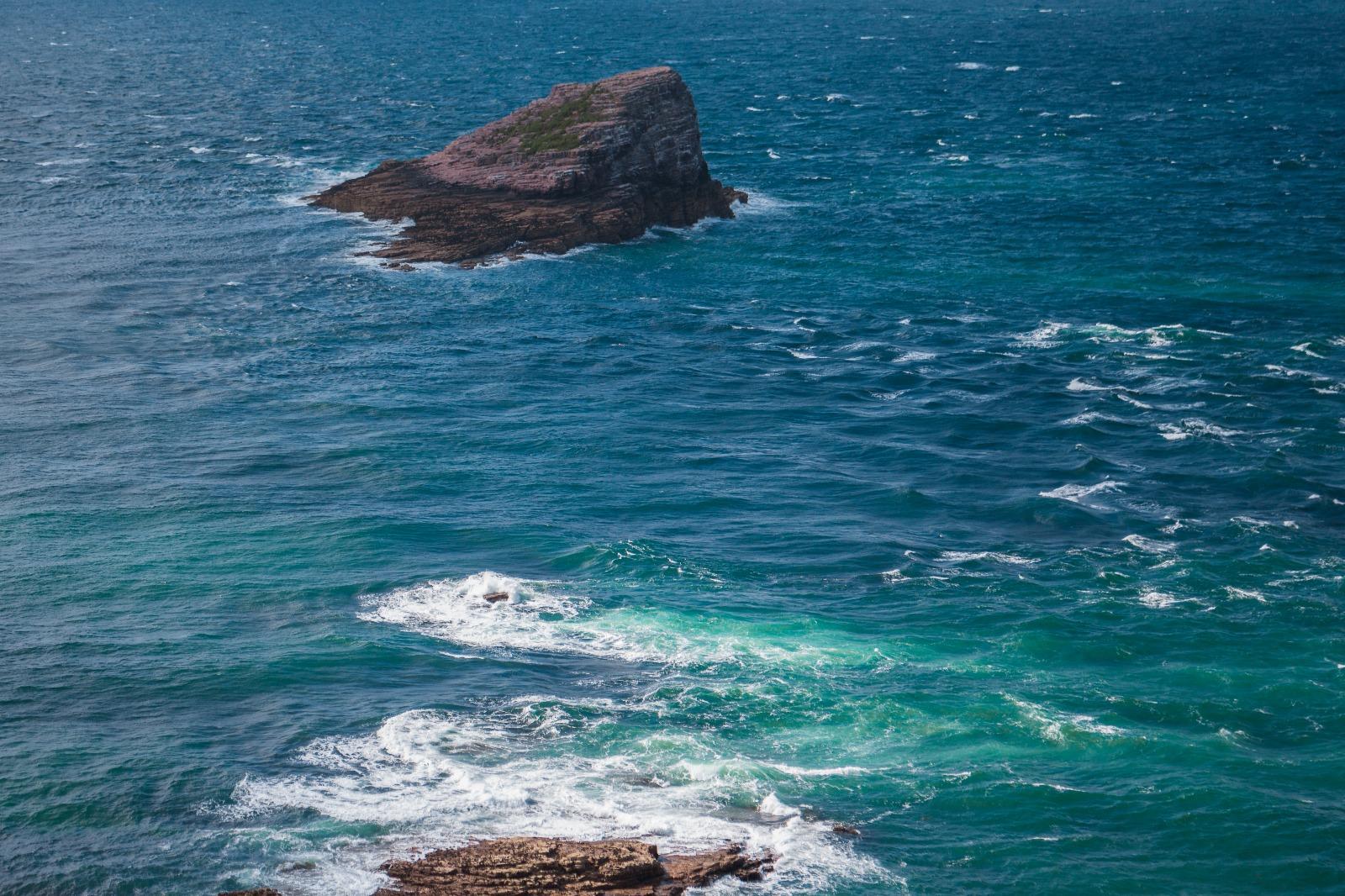 Erquy vagues rochers naej photography