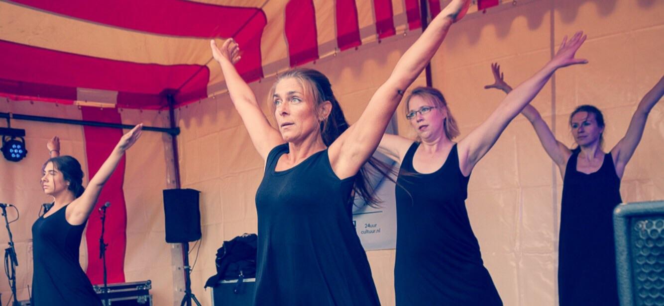 24 uur cultuur, optreden moderne dans volwassenen. Rotterdam Noord