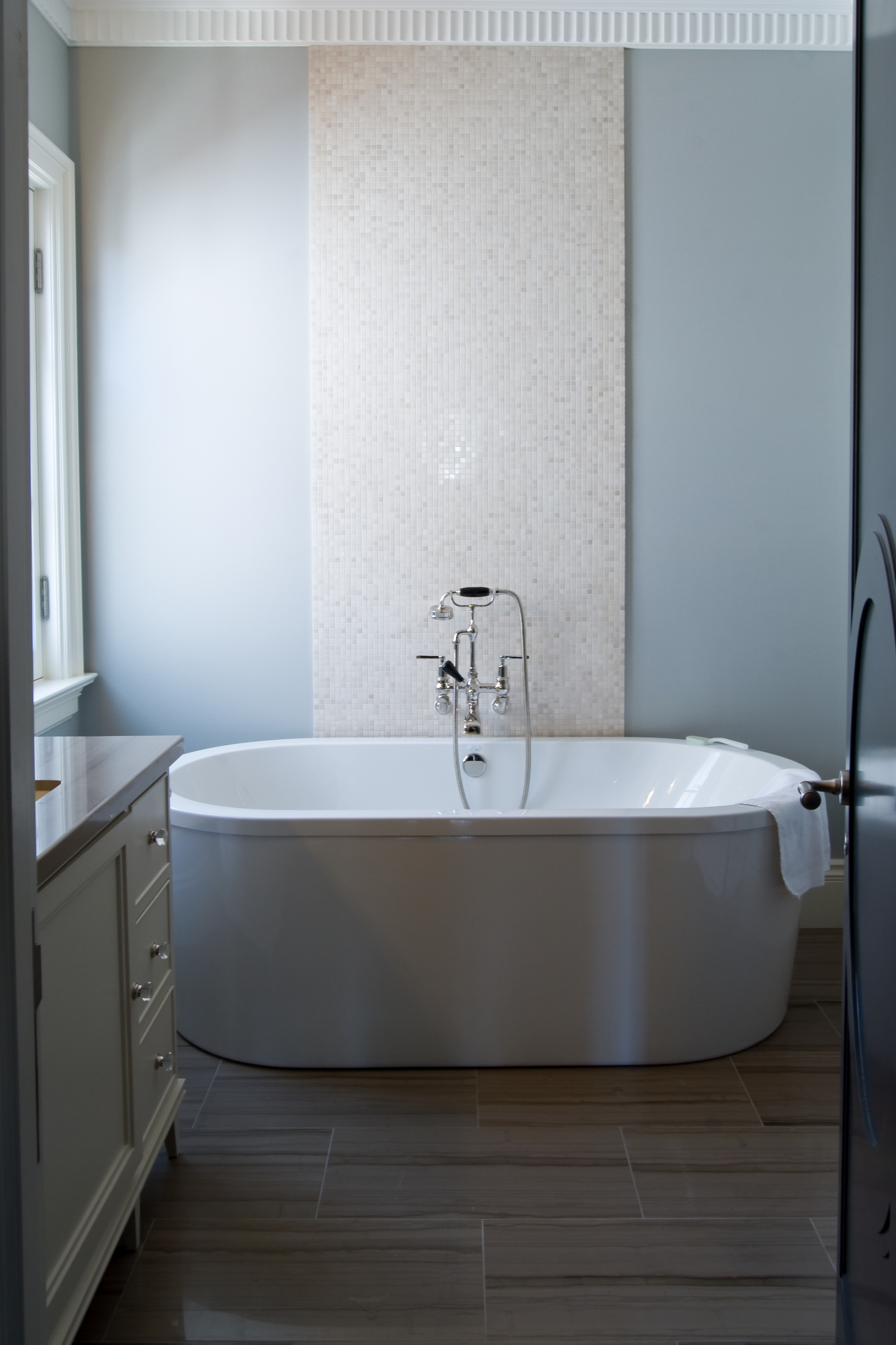 20100128-interior her master bath-2.jpg
