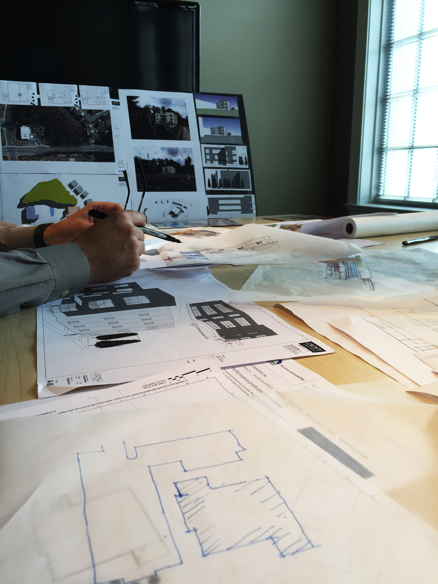 Design-Meeting-for-New-Project.jpg