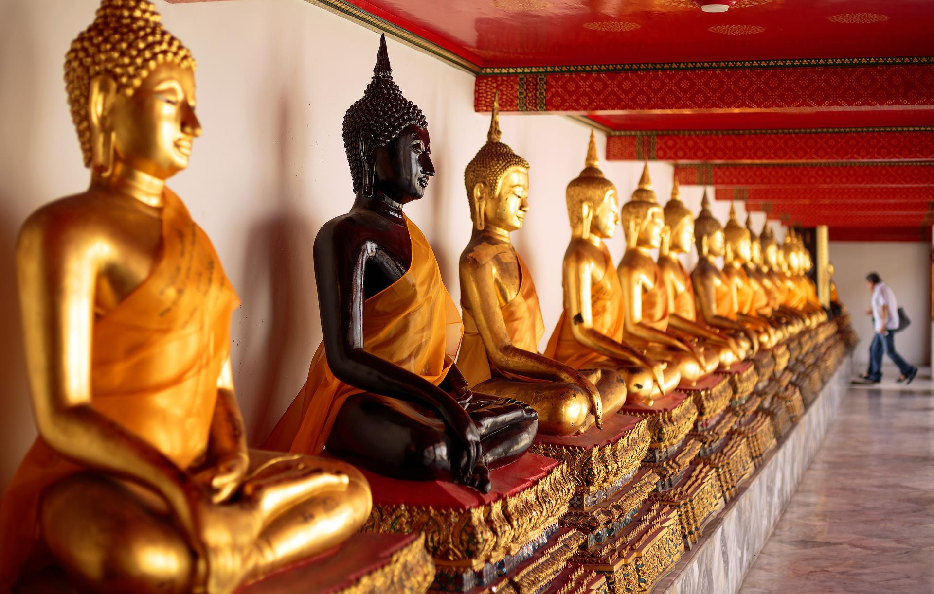 buddharow_SRGB.jpg