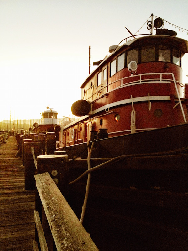 """Scene from our fateful second date when Nick asked me if I'd ever seen the """"tugboats"""" before. He wasn't kidding, there were actual tug boats, but there was also a ridiculously picturesque spot for a first kiss."""