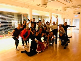 Det oser av energi og danseglede i studio med spreke damer <3