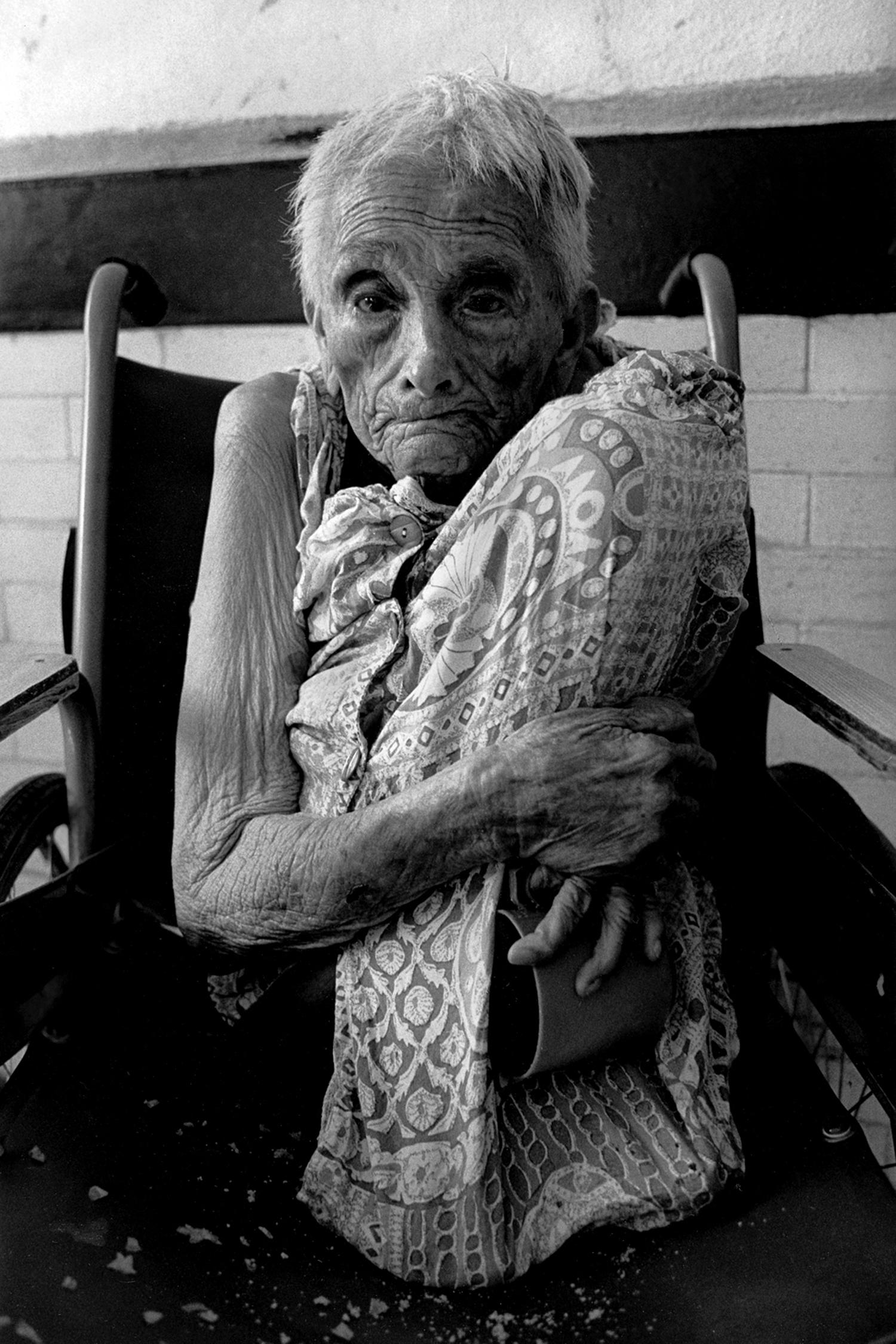 Elderly woman who may have Alzheimer's disease  Ocaranza Psychiatric Hospital Hidalgo, Mexico 1999