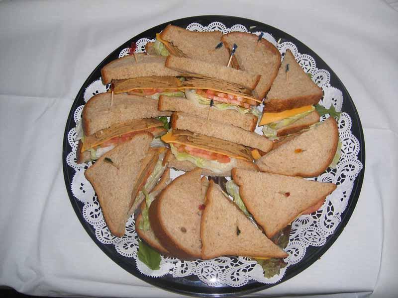 vegetarian_and_vegan_sandwich_tray001.jpg