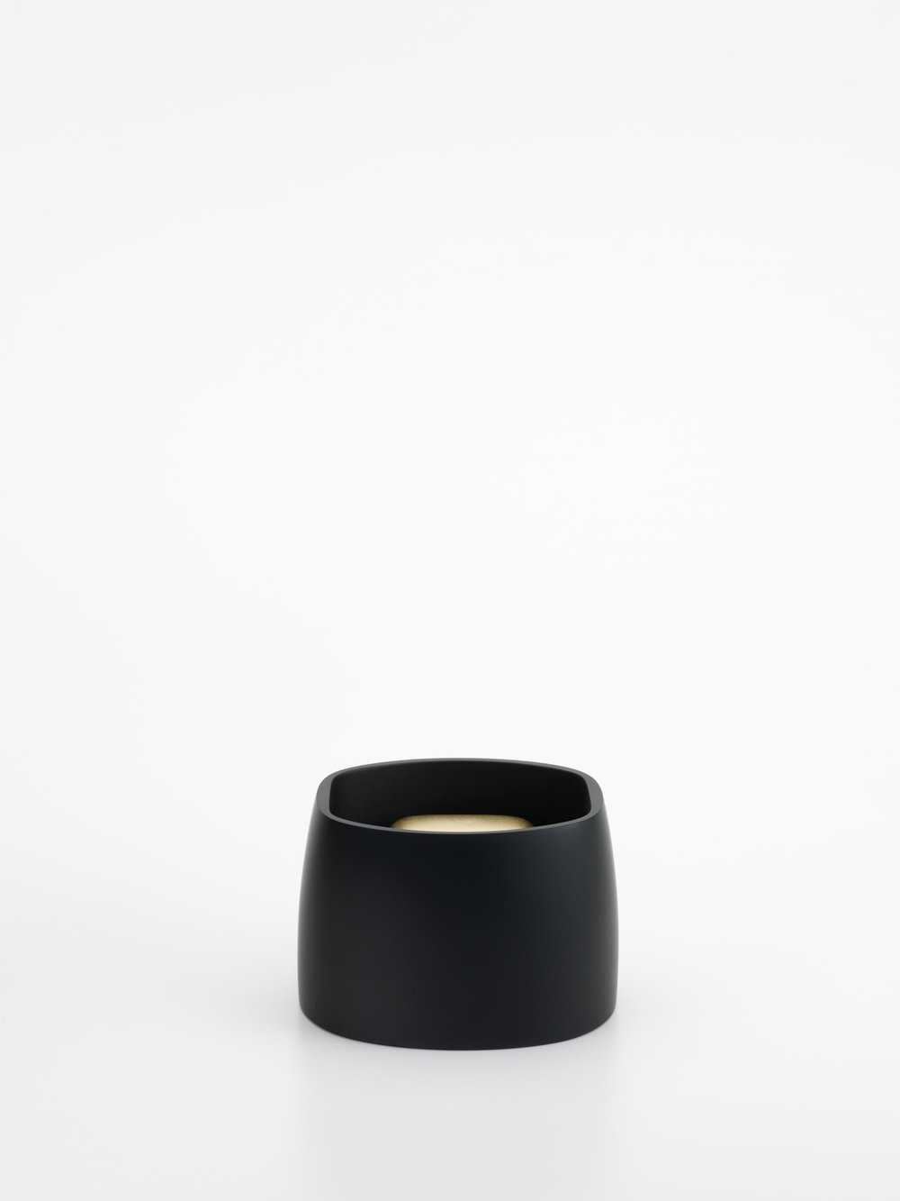 Andrea Walsh   Contained Box  Black Glass and Black Fine Bone China with 22ct Burnished Gold Exterior 7.5cm x 11.5cm x 10cm Photo: Shannon Tofts