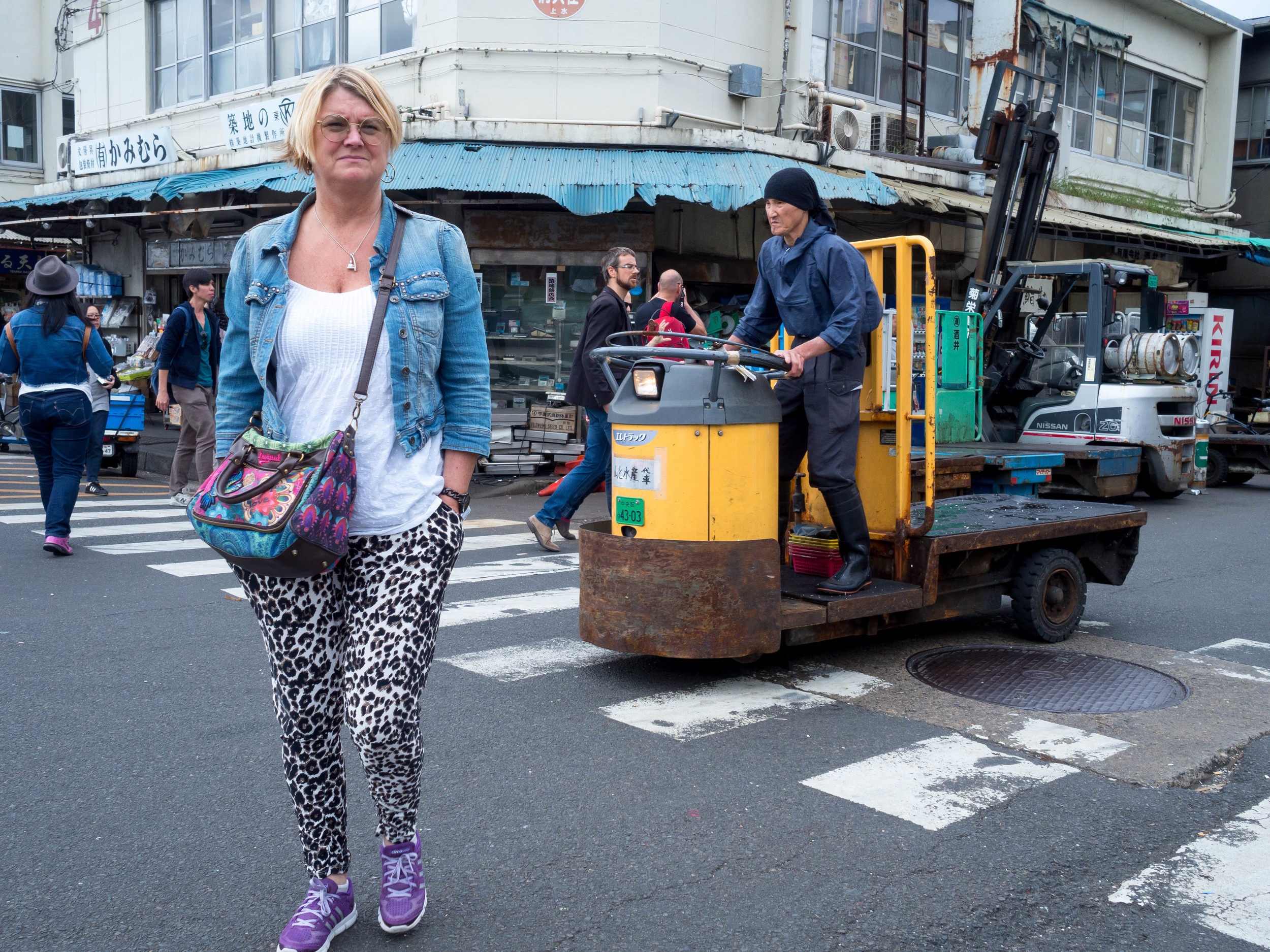"Fish market corner #1 or ""Six directions"",Tokyo OMD 17 f1.8"