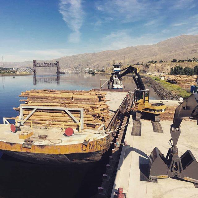 #lewiston #tugboat #barges #marineindustry