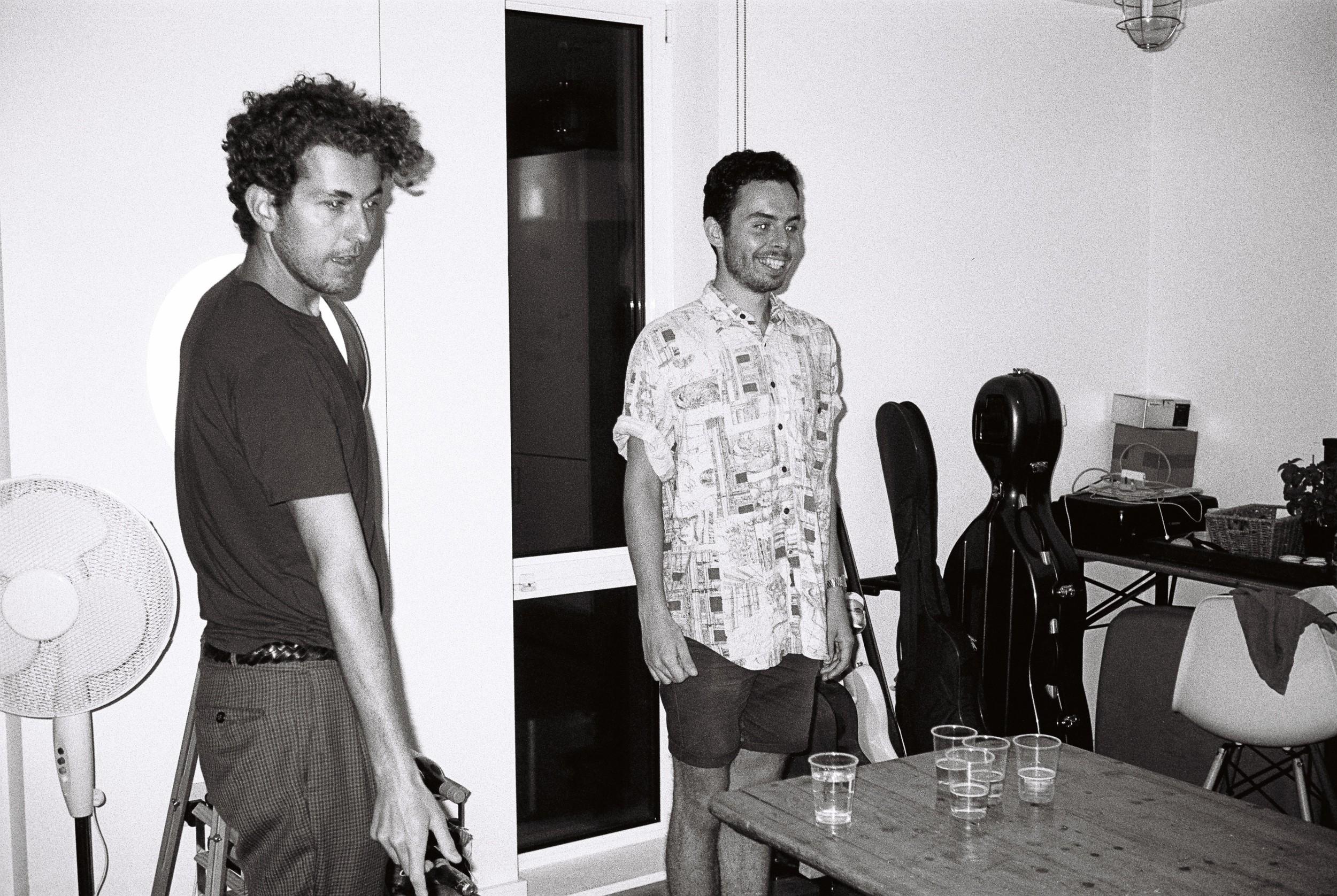 Tim & Jon, Sassy Pong