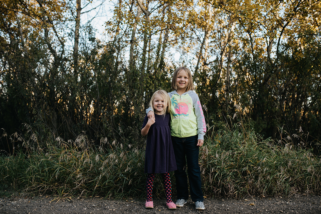 Sisters, St. Albert family photographer, Jessica Leanne Photography