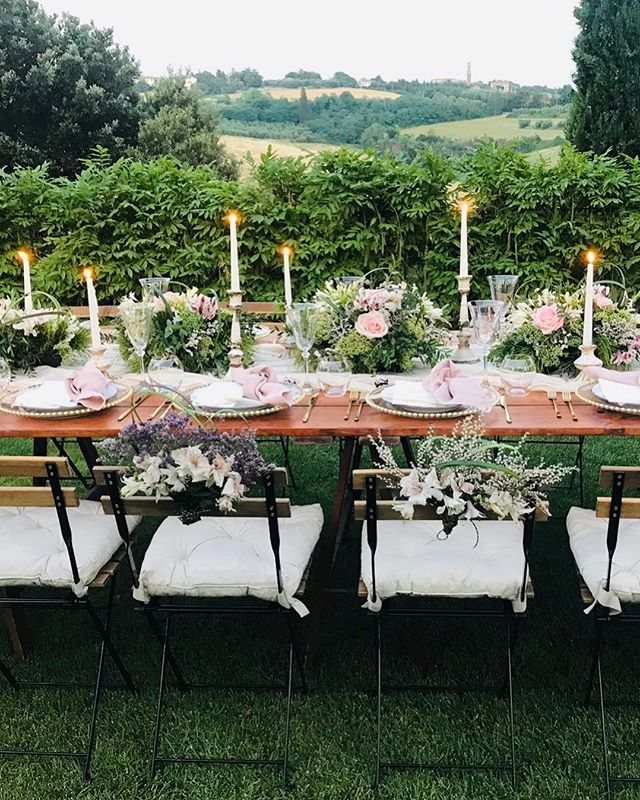 Our fantastic team really outdid themselves for Elena & Ryan's mid-summer wedding. @holisticdining @fiori_di_cookie