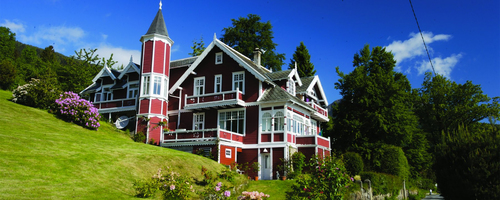 Welcome to Balestrand and Kviknes Hotel