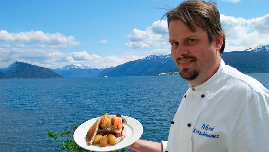 The Sognefjord Sandwich presented by the Chef.