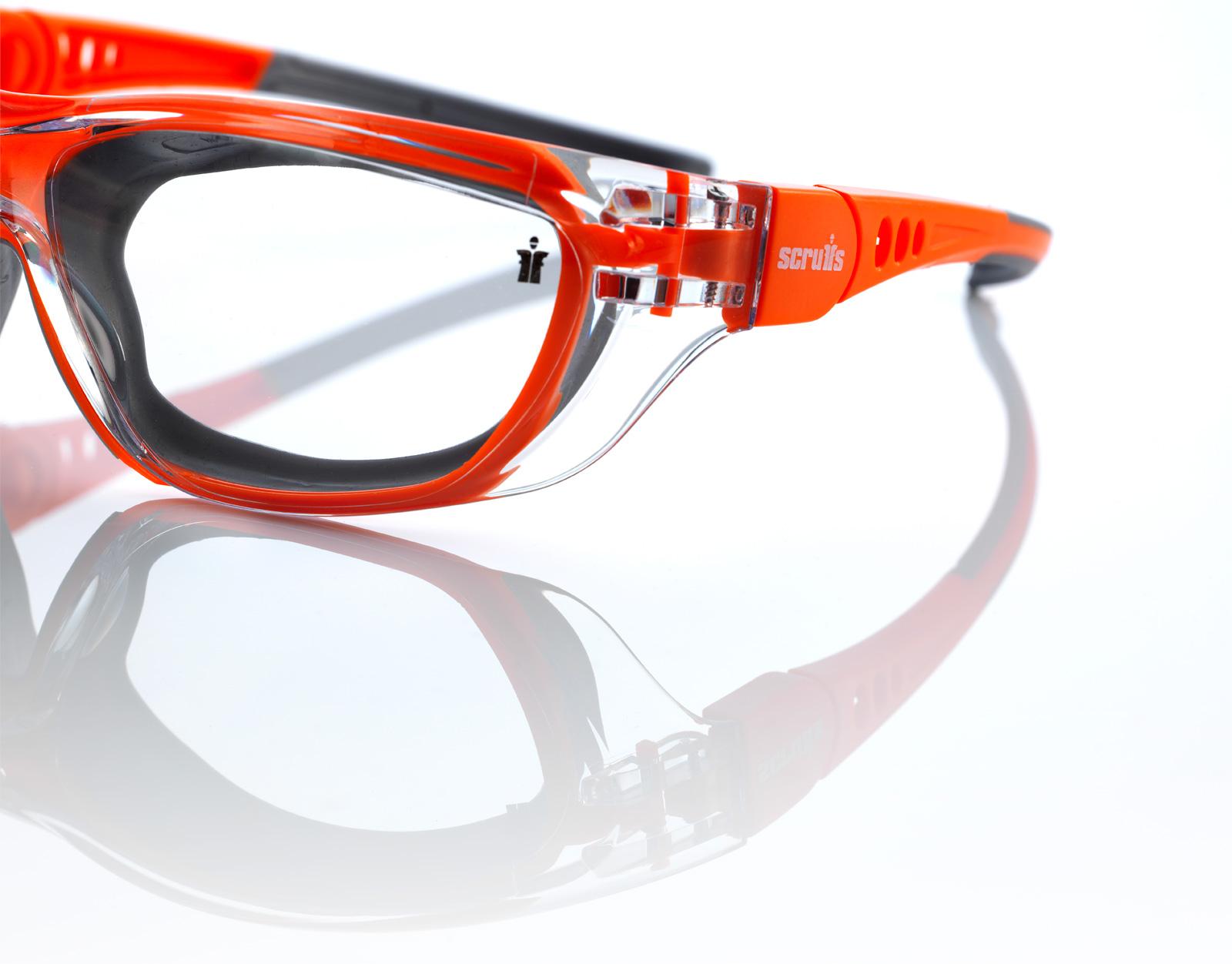 Glasses-04.jpg
