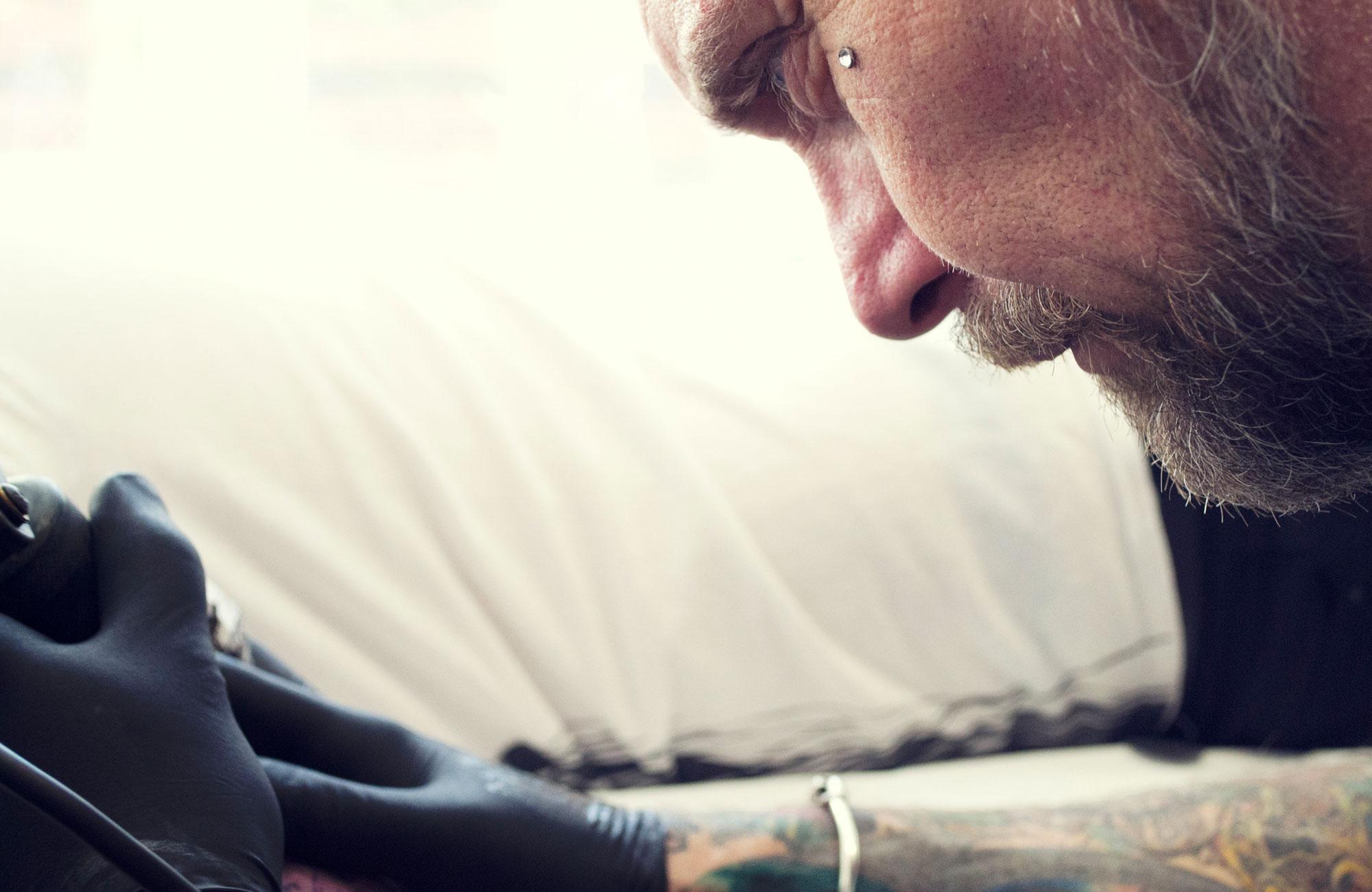 steve-tattooing.jpg