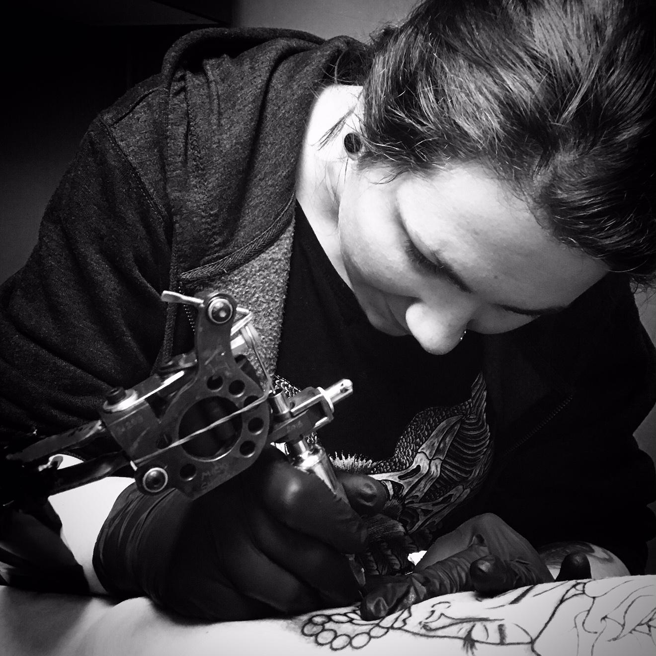 LAURA DAVISON-POLIS: TATTOO ARTIST