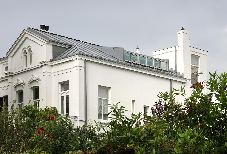 Bijzonder rijksmonument, villa van architect W.C. van Goor, weer in ere hersteld. (1753)