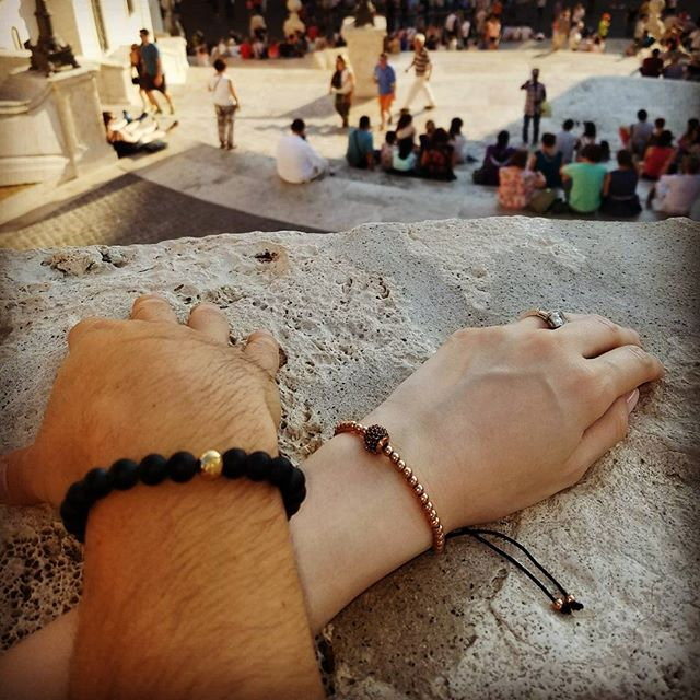 Italian tour  #miorai #bracelet #bracelets #wallet #wallets #italy🇮🇹 #italy #beads #snakeskin #rome #ravello #sardegna #sardinia #positano #sorrento #luxury #fashion #mensfashion #mensbracelet #mensweardaily #menstyleguide