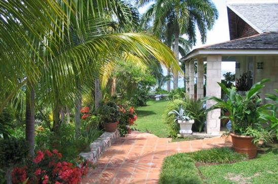 drambuie_estate_montego_bay_jamaica24.jpg