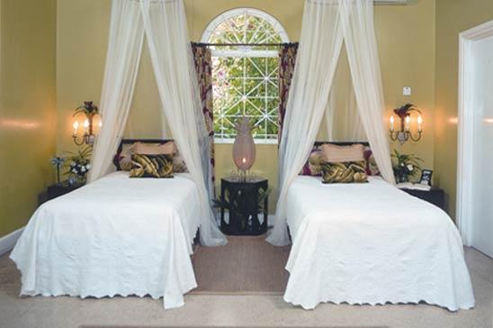 highland_house_montego_bay_jamaica08.jpg