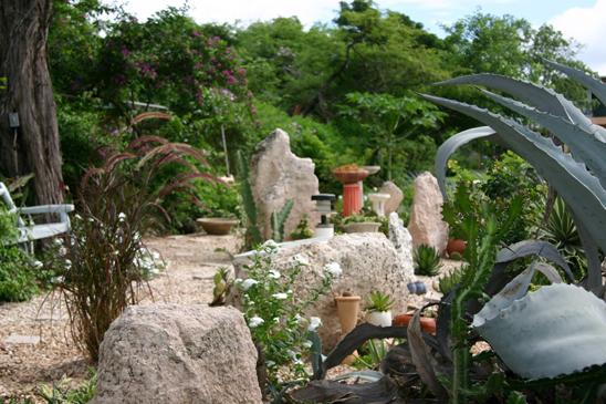 villa_coquina_treasure_beach_jamaica_garden1.jpg