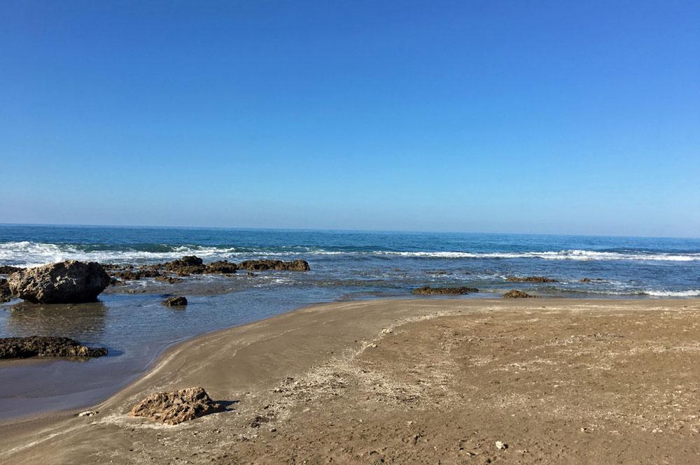 Mar_Blue_Beach_Treasure-Beach_05.jpg