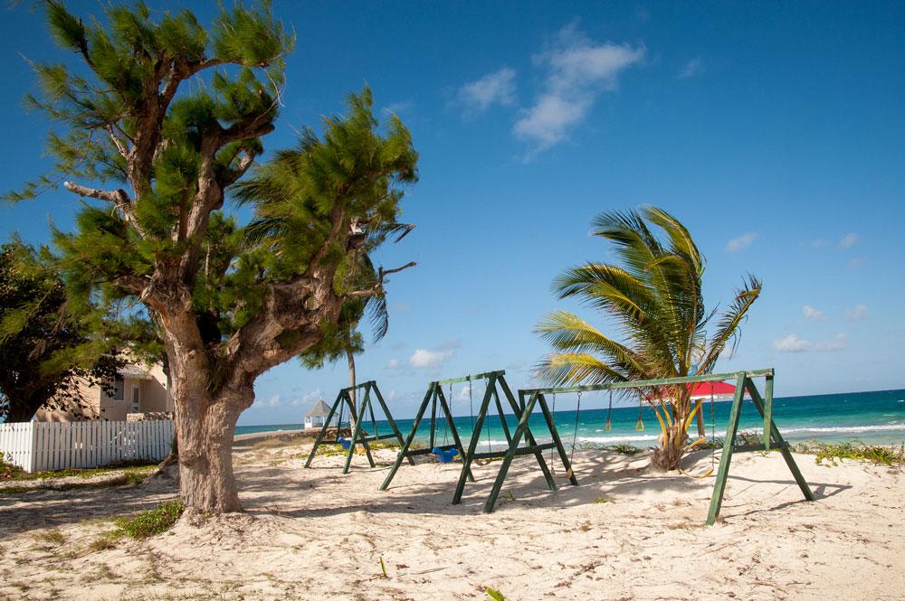 Silver_Sands_Beach_Jamaica_02.jpg