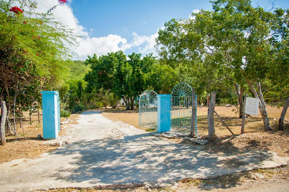 Villa_Arcadia_FortCharles_Treasure_Beach_01.jpg