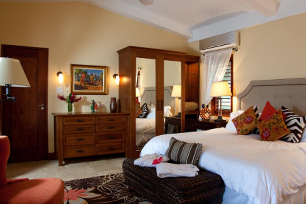SevenSeas_Jamaica_Bedroom4.jpg