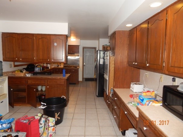Kitchen before remodel.jpg