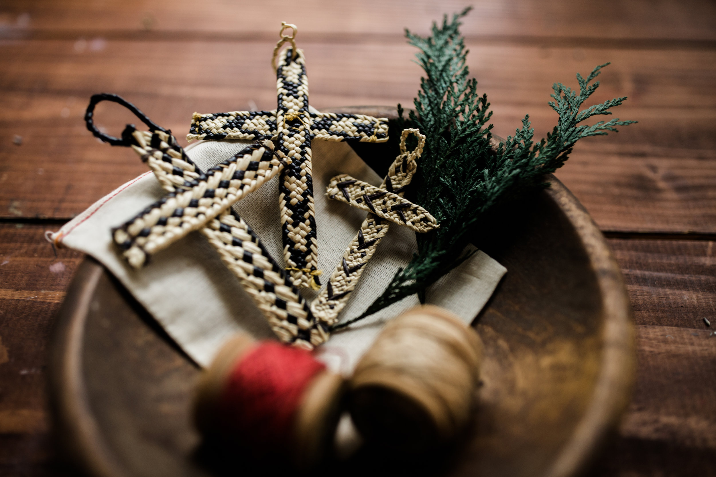hands-producing-hope-costa-rica-christmas-crosses-0071.jpg