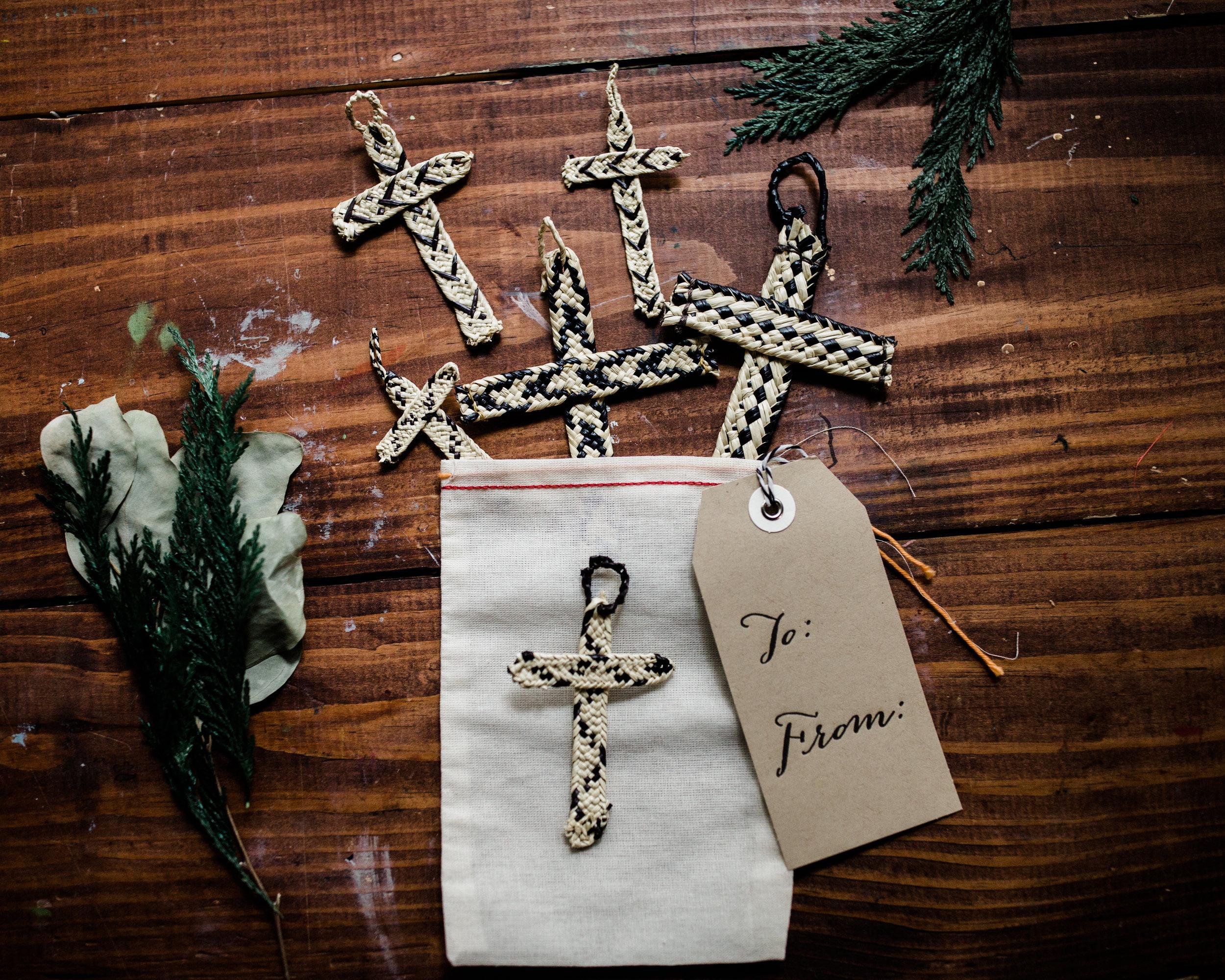 hands-producing-hope-costa-rica-christmas-crosses-0099.jpg