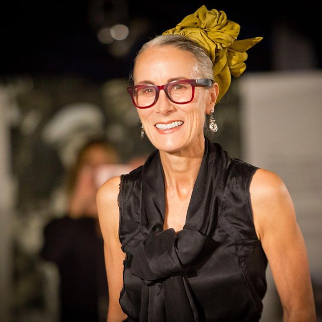 Last Fall while attending the @linenaliveni we had the pleasure of viewing the Linen Fashion Showcase, introduced by Caryn Franklin @franklinonfashion  A truly inspiring woman who has empowered so many through her decades of work in the fashion industry. Caryn recently sat down with @safia_minney on the Ethical Agenda Podcast for an enlightening conversation on gender equality, body and image diversity and her life's work in the fashion industry. We highly recommend a listen✨Find link to podcast @safia_minney #slowfashion #equality #diversity #gobeyondfashion #safiaminney #carynfranklin #ethicalagendapodcast