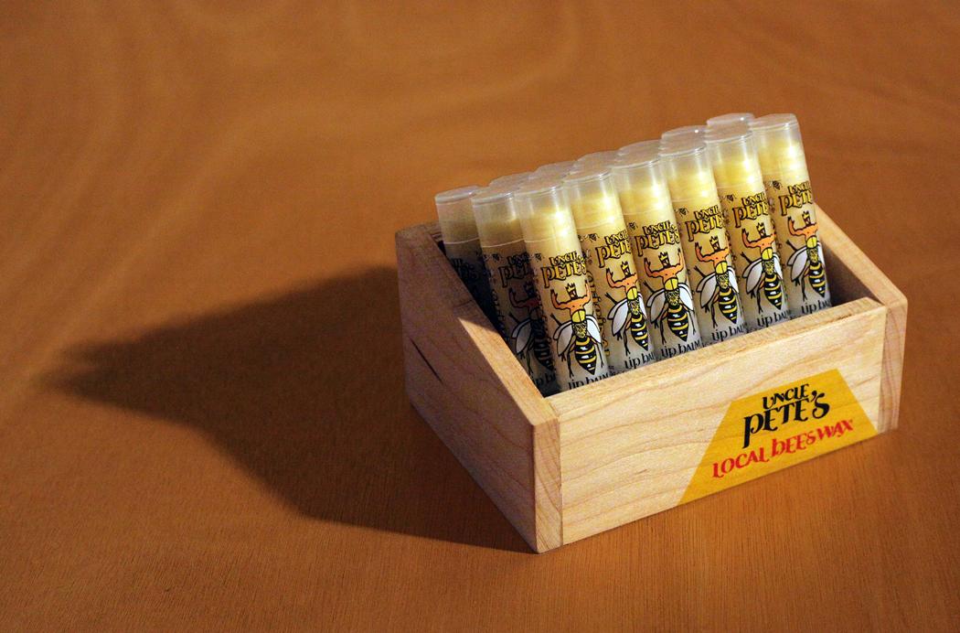 box_wood_photo_comp_nova_sm.jpg