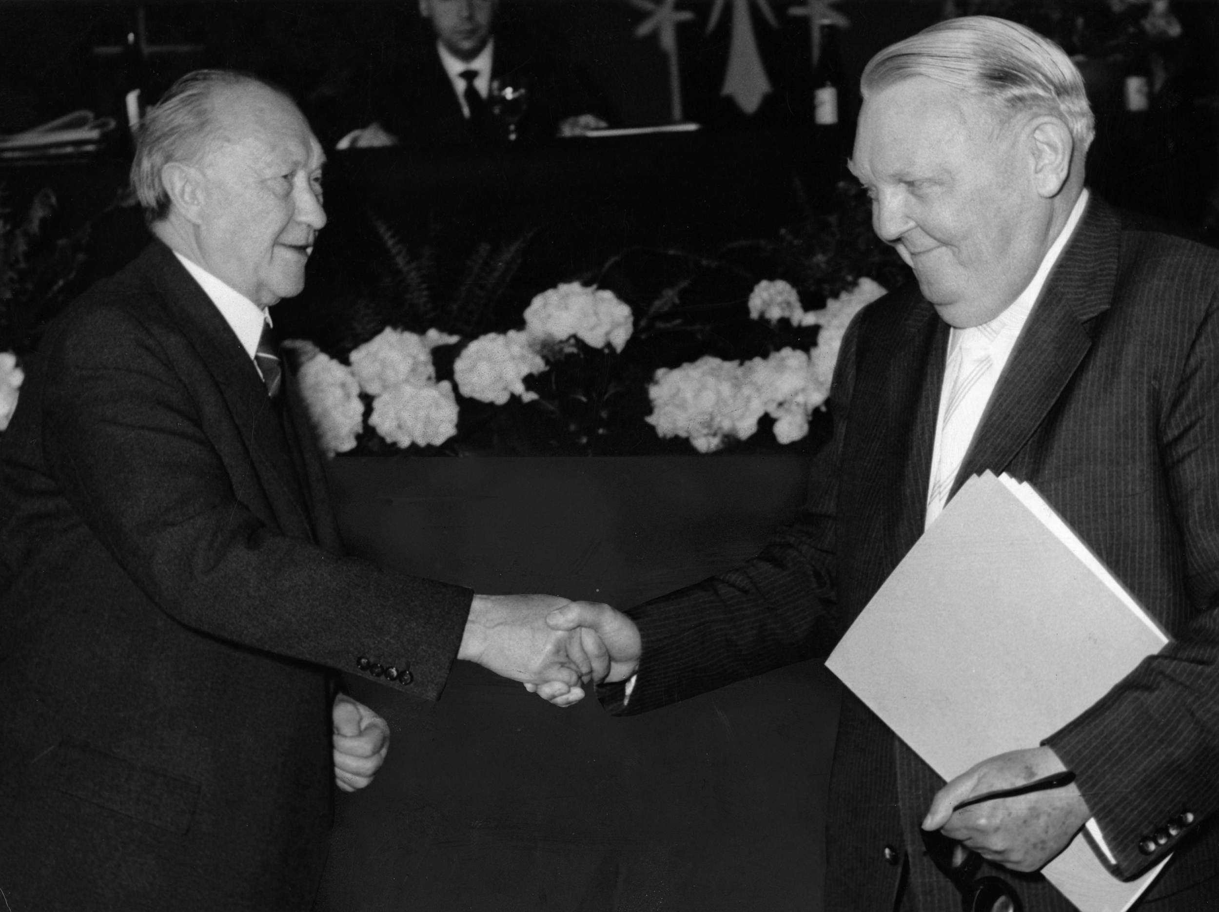 Konrad Adenauer y Ludwig Erhard