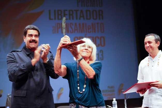 En 2014 Harnecker recibió el Premio Libertador  al Pensamiento Crítico 2014 en Venezuela