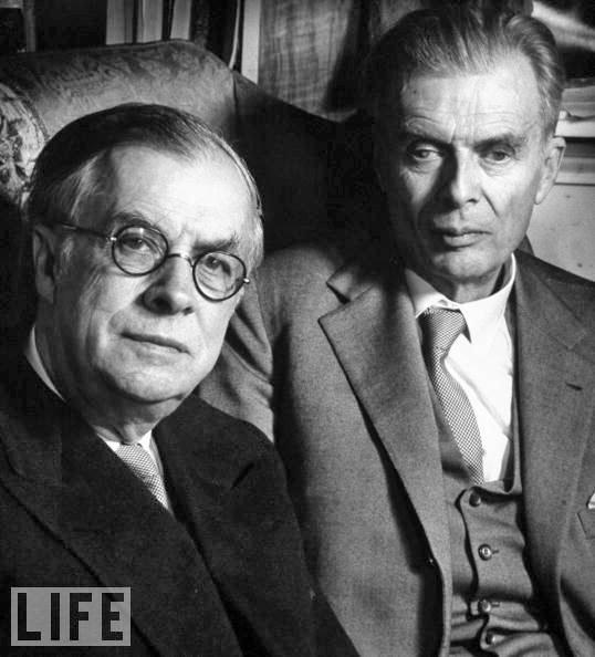 """Julian, quien acuñó el término Transhumanismo, junto a su hermano Aldous Huxley, autor, entre otras obras, de """"Un mundo feliz"""" (Brave New World)"""