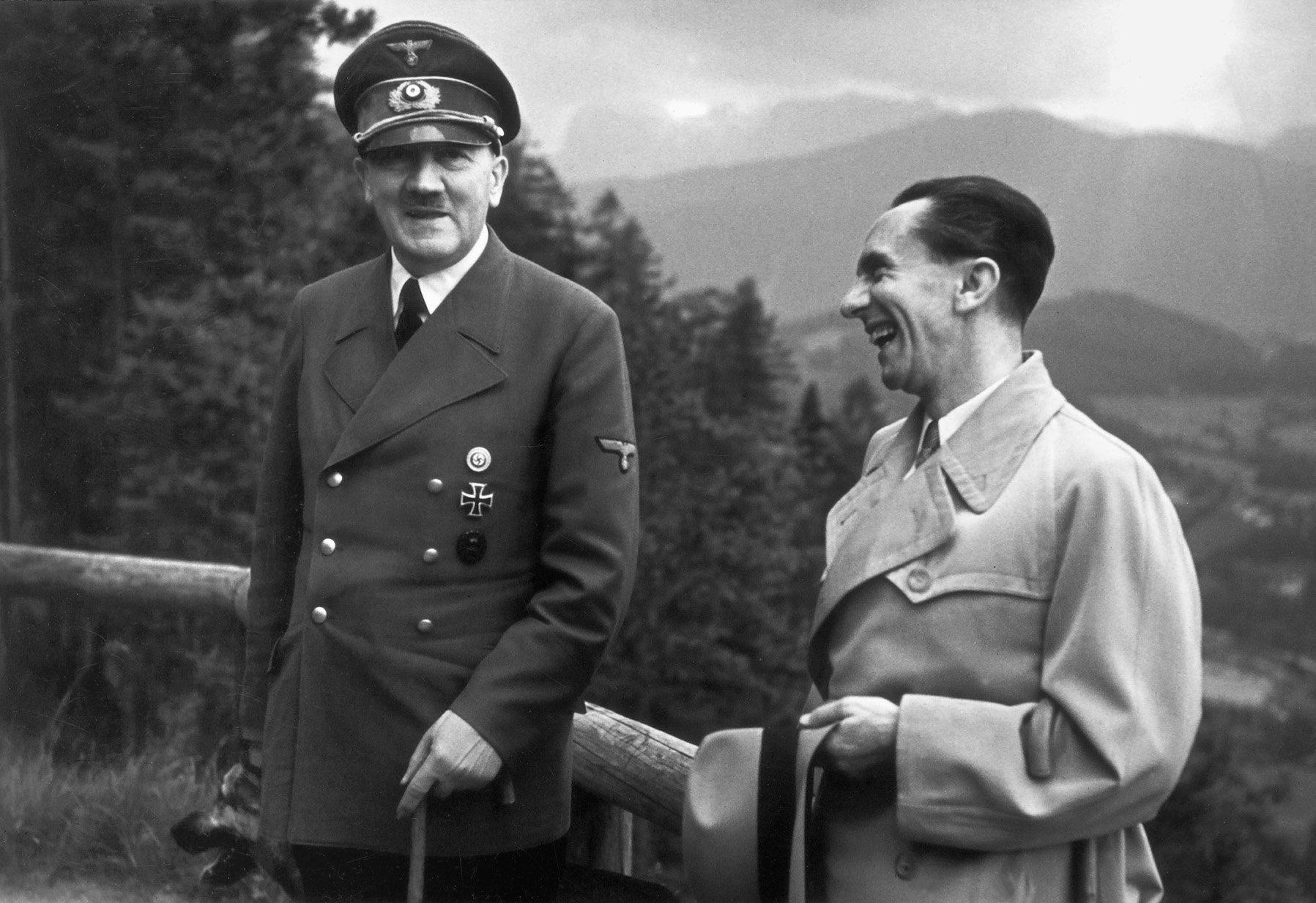 Goebbels-el-amigo-de-Hitler.jpg