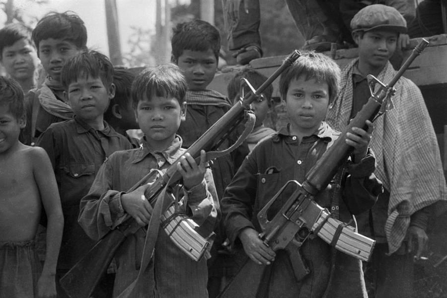 Niños soldados de los Jemeres Rojos