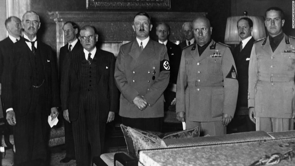 Chamberlain, Daladier, Hitler, Mussolini y Ciano (yerno de Mussolini)
