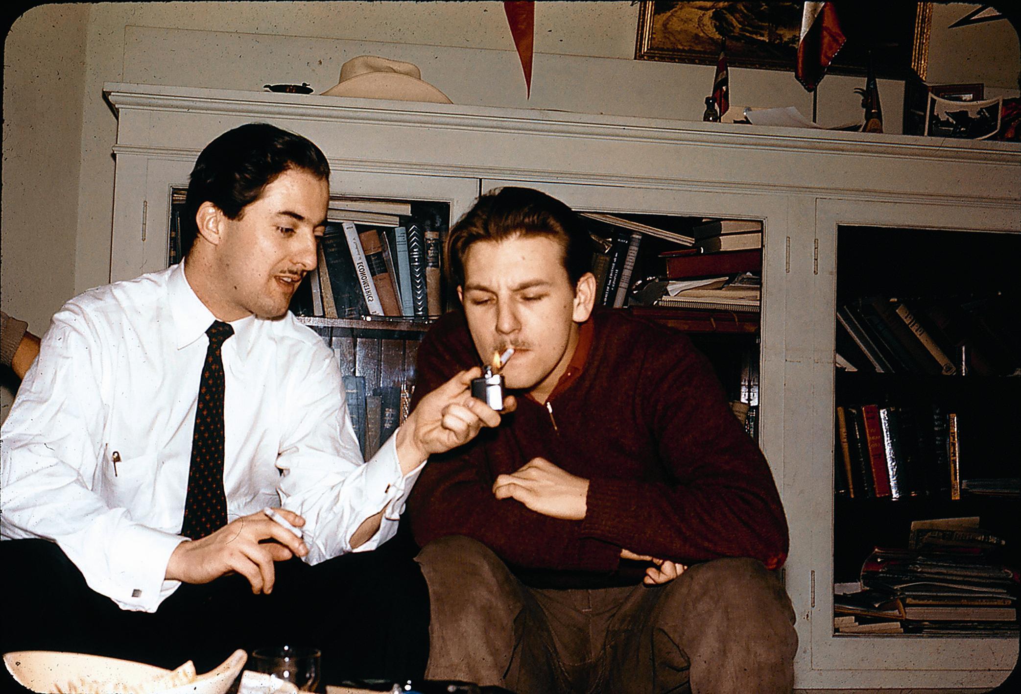 Sergio de Castro y Ernesto Fontaine en su época de estudiantes de post-grado
