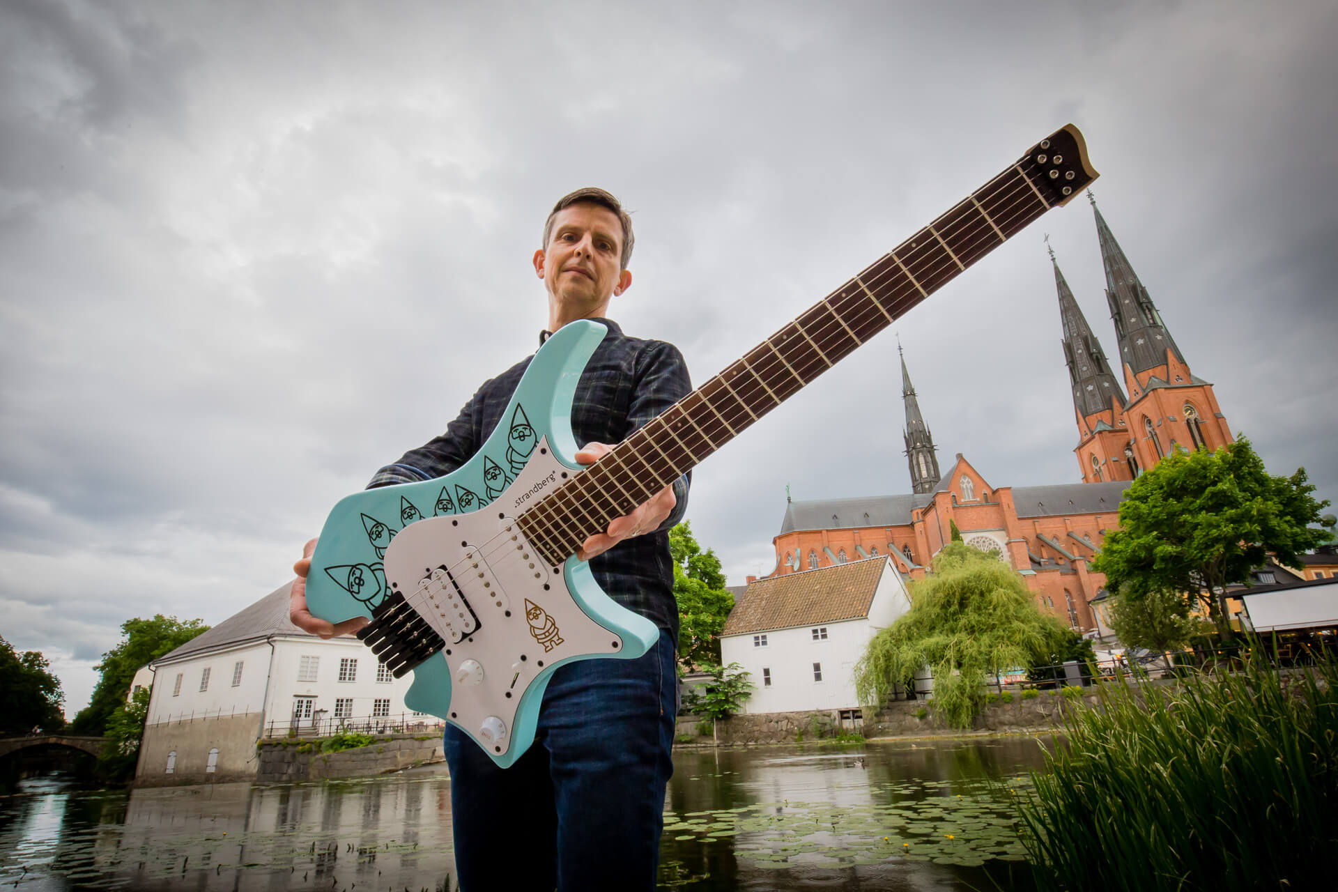 Ola Strandberg (obtenido de https://strandbergguitars.com/row/the-strandberg-traveling-gnome-boden-project-winner/)