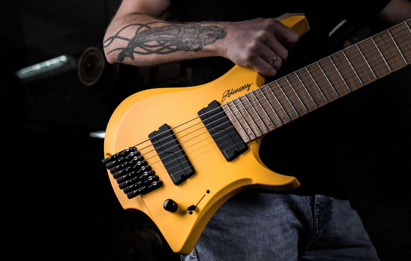 """Adversary """"Keto"""" (obtenido de http://padalka-guitars.com/guitars/)"""
