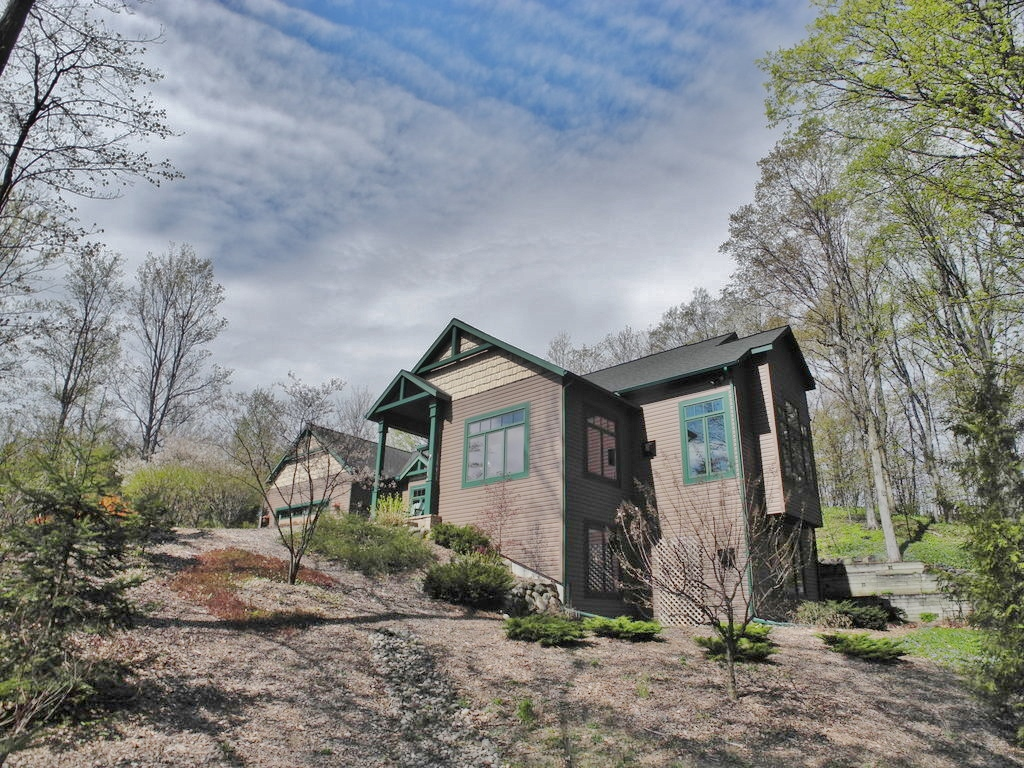 1082 S Bay View Trail, Suttons Bay, Leelanau - House for sale by Oltersdorf Realty LLC (3).JPG