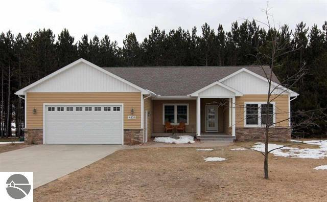 4335 Longwood Drive, Traverse City, sold by Oltersdorf Realty LLC, Traverse City real estate (3).JPG