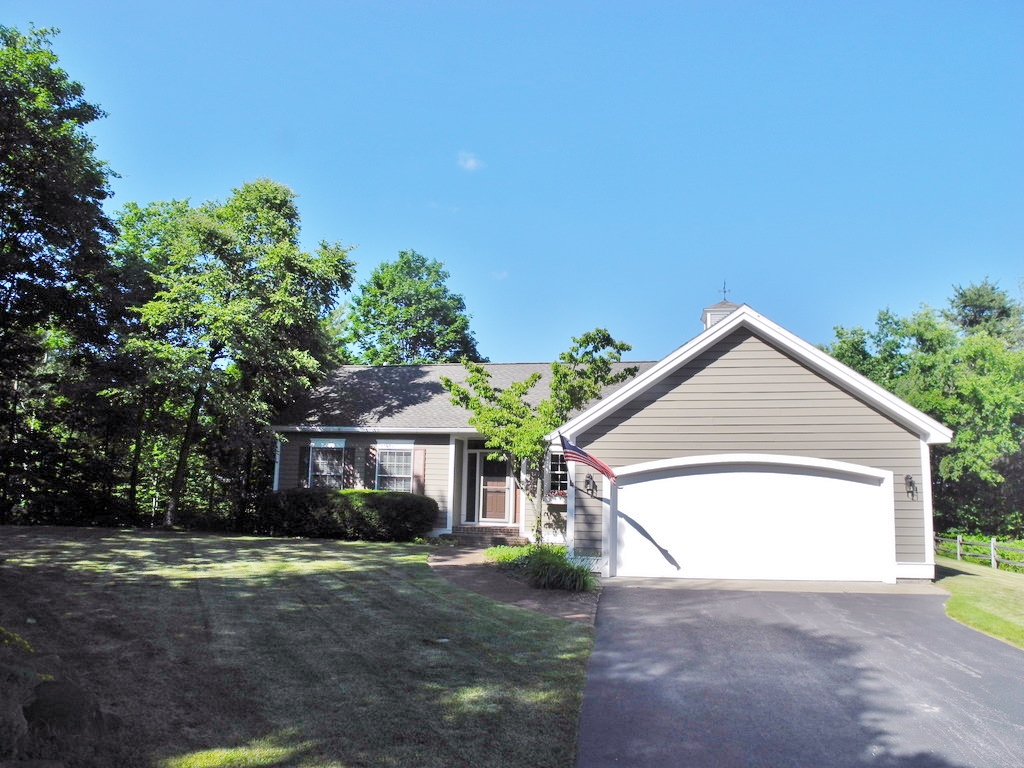 1771 S Cherry Blossom Lane, Suttons Bay waterview ranch house sold by Oltersdorf Realty LLC (3).JPG