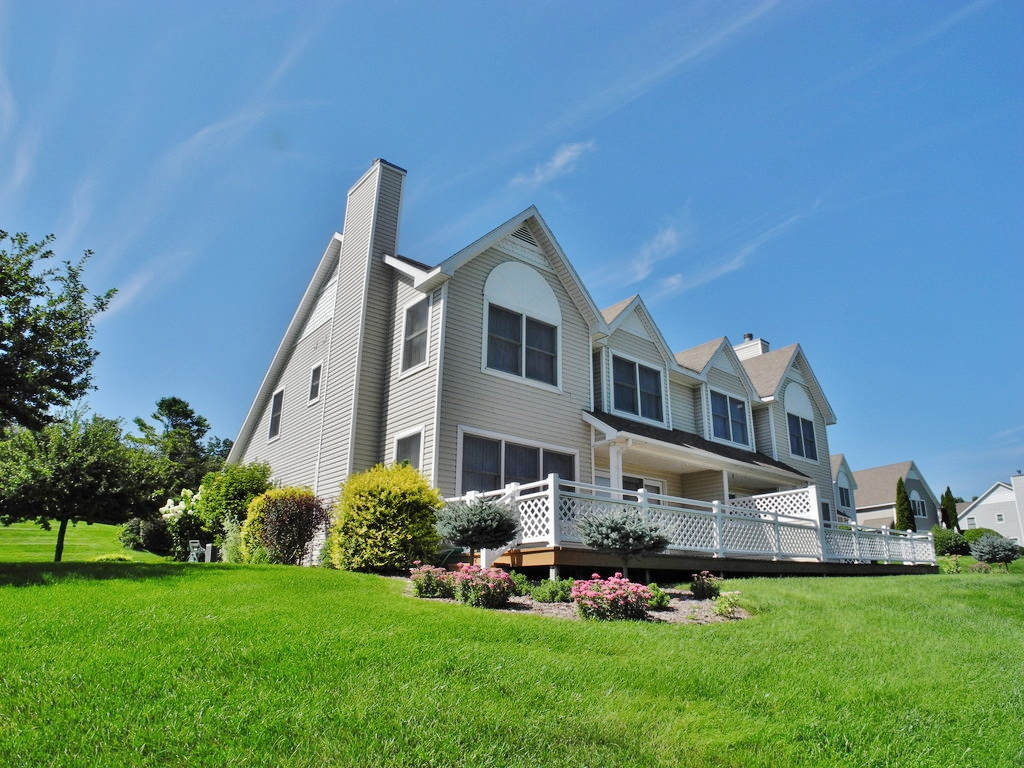 742 N Deer Path Trail #11, Suttons Bay, MI – 4 Bedroom, 3 Bath Village Condominium for sale by Oltersdorf Realty LLC (1).JPG