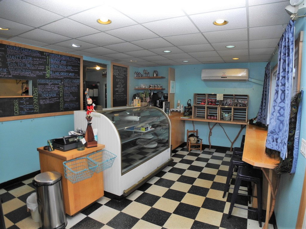 Coffee Shop and Restaurant Business Opportunity, Suttons Bay - For Sale (10).JPG