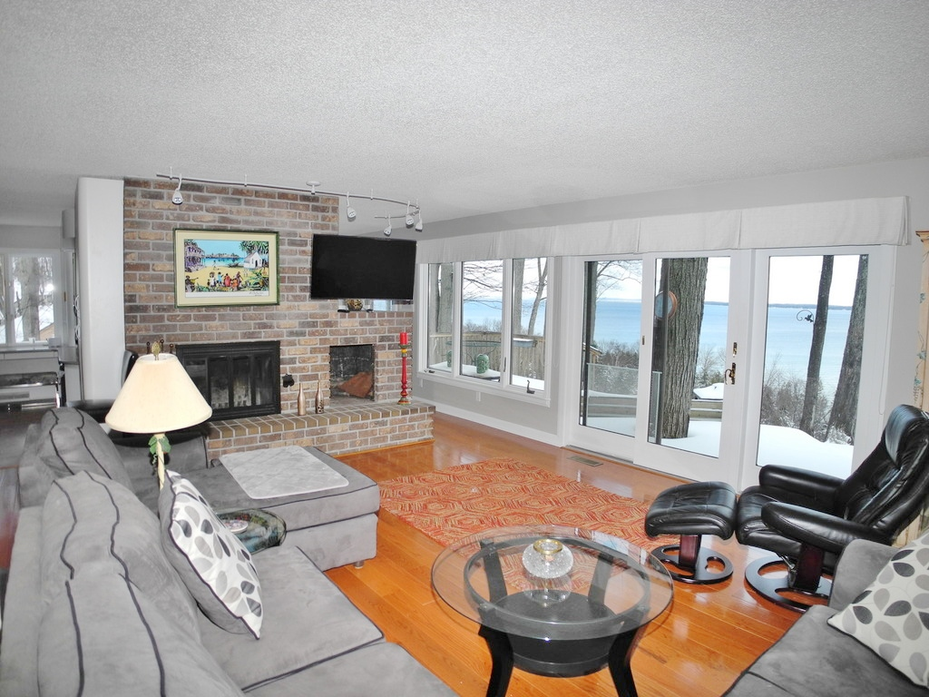 1451 S Bay View Trail, Suttons Bay, MI – Spectacular Panoramic West Bay Views, real estate for sale by Oltersdorf Realty LLC (3).JPG